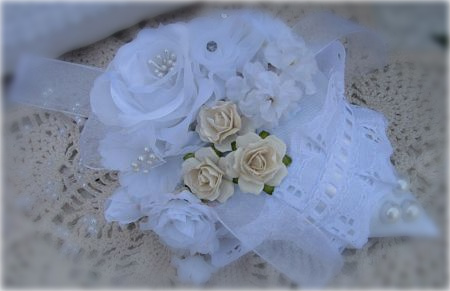 White And Cream Sachet With Pearls And Eyelet Lace-sachet,cottage,roses,white,eyeletlace,pearls,netting,chic,shabby,gift,handmade,strawberry,ribbon