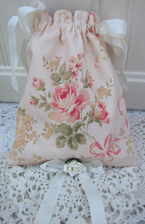 Vintage Crochet Soap Pocket Sachet Bag-sachet,soap,roses,vintage,doily,ribbon,italion,handmade,shabby,cottage,peach,chic,gift