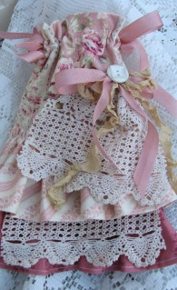 Shabby Soap Pocket Sachet With Ruffles-sachet,soap,handmade,ruffle,cotton,cottage,shabby,gift,roses,pink,chic,vintage,button,crochet,italian